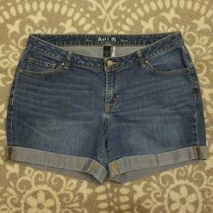 Apt. 9 denim shorts EUC!